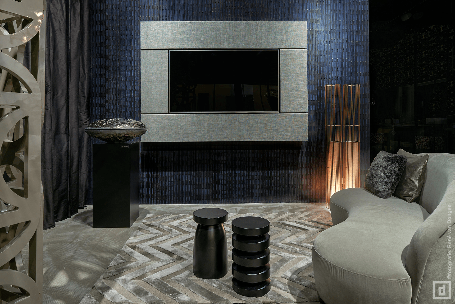la scala milano prades. Black Bedroom Furniture Sets. Home Design Ideas